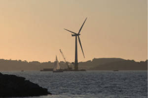 Several large companies around the world are working on their designs of floating wind turbines. Creating such an installation would be a big step toward harvesting the clean energy of the planet's most powerful winds – those blowing over the seas and oceans. One such turbine, dubbed Hywind, with an installed capacity of 2.3 megawatts and a rotor diameter of 82.4 meters – a pilot project by Statoil – was in 2009 anchored in the North Sea 10 kilometers southwest of the Norwegian municipality Karmøy. In its first full year of operation, Hywind generated 7.3 gigawatts of electricity – against the anticipated 3.5 gigawatts. The floating turbine has also demonstrated great resistance to adverse weather conditions: It withstands waves of up to 11 meters, and the vibratory loads are lower than those affecting ground-based turbines. Above: The world's first operational megawatt-class floating wind turbine after assembly in the Åmøy Fjord near Stavanger. (Source: Lars Christopher/en.wikipedia.org. )