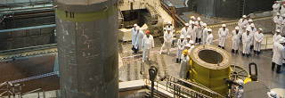 Engineers inside the Kalinin plant. (Photo: Rosenergoatom)