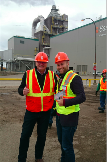 Mike Monea, SaskPower's president for carbon capture and storage Initiatives (left) and Jonas Helseth at the opening of the Boundary Dam CCS unit. (Photo: For Bellona)