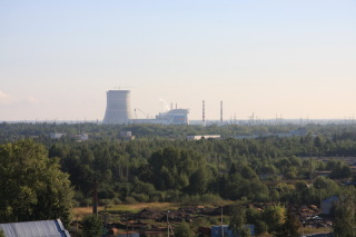 The Kalinin nuclear plant on the skyline of Udomlya. (Photo: Englishrussia.com